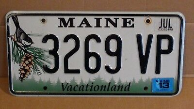 "2013 Maine ""Black Capped Chickadee/Vacationland"" License Plate (3269 VP)"