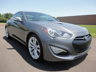 2014 Hyundai Genesis 3.8 R-Spec 2014 HYUNDAI GENESIS 3.8 R-SPEC 6 SPEED MANUAL 3.8 L V6 CLEAN CARFAX WE FINANCE