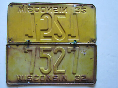 1932 Wisconsin License Plate Front and Rear