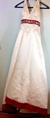 Vintage Wedding Dress, V-Neck, Backless, Full Length, White and Red, Size Small