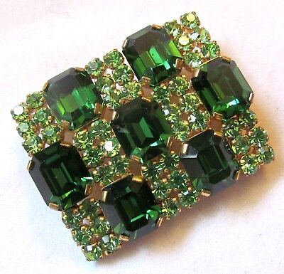 Vintage Gorgeous AUSTRIA Brooch Decorated With Emerald And Peridote Green Stones