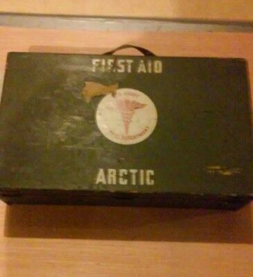 Extremely Rare Ww2 U.s Army First Aid Arctic Wood Case Medical Department.