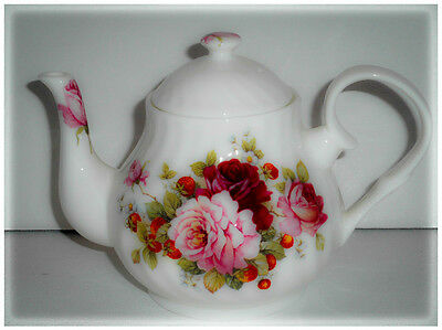 BN Boxed Vintage Style Small Fine Bone China Teapot, Strawberry Flowers, gift