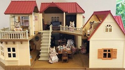 Sylvanian Families Beechwood Hall, Cosy Cottage, Fully Furnished + Family of 7