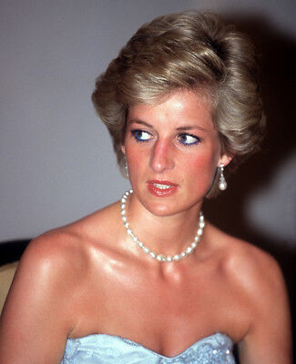 Diana GORGEOUS!!!! Princess of Wales UNSIGNED photograph M4077 NEW IMAGE!