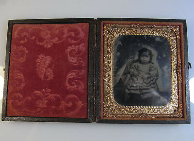 1800s Victorian Ambrotype Photograph of Baby. In full case.