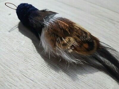 Robbie Black Bird cat toy teaser Tiga Toys realistic feather chase dangle toy