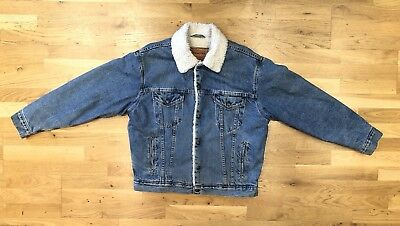Stunning Authentic Vintage Levis Denim Jacket Mid Wash With Sherpa Lining Size M