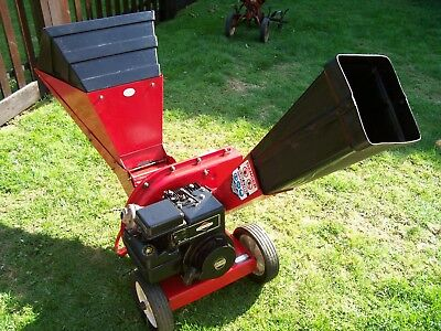 Chipper / Shredder. MTA  5HP Briggs & Stratton engine.  Very Good Condition