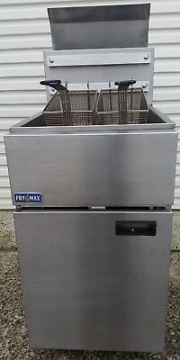 DEEP FRYER Fry Max Split Pan.NG V GOOD CONDITION. GRAB A BARGAIN. Best one !!