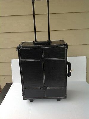 Rolling Portable  Makeup Studio Artist Cosmetic Case W Lights Mirror Train Table