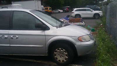 2002 Chrysler Town & Country Lx 2002 Chrysler Town & Country Minivan van