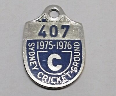 C 1975 - 1976 # 407 Sydney Cricket Ground Members Scg Badge