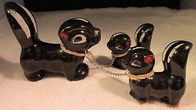 Vintage Set Of Ceramic Momma W/2 Babies Skunks On Leashes Red Ware W 18