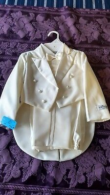 Tip Top boys tuxedo size 5 NWT, IVORY Color