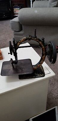 W.G. Wilson & Co. Cleveland Patd 1867 Cast Iron Sewing Machine Great Shape