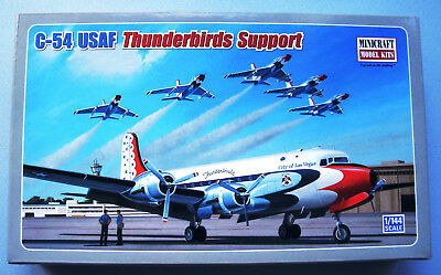 Minicraft C 54D Skymaster USAF Thunderbirds Support 1:144