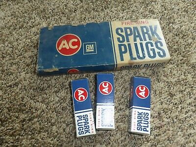 New in Box Fire Ring AC-45S NOS Spark Plugs 4 Green Rings 3 plugs total