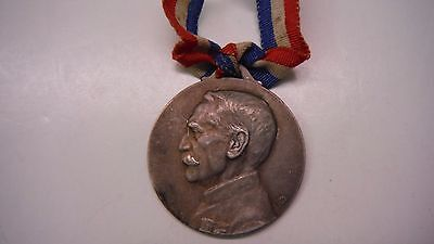French WWI Patriotic Medal with profile of Aug Maillard 1916