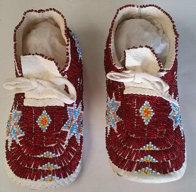 Native American Hand-Made Bead Moccasins, Red, size 1-1 1/2 kids