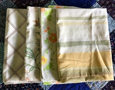 Vintage Pillowcase Lot of Four Various Sizes Craft Sewing Cutter Cottage Floral