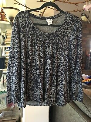 oh baby by motherhood LONG SLEEVE TOP SIZE LARGE