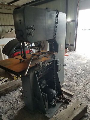 DoAll vertical band saw 1611-L with blade welder