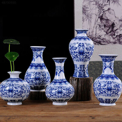 Traditional Chinese Blue And White Porcelain Vase Elegant Ceramic C Pattern