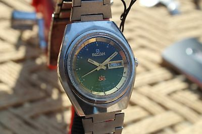 Ricoh 17 Jewels Hand Winding Day Date green dial Rare vintage men's wrist Watch