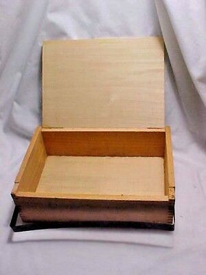 Vintage Wood Cigar Storage Box W/Metal Closure Factory #700 1st Dist of PA