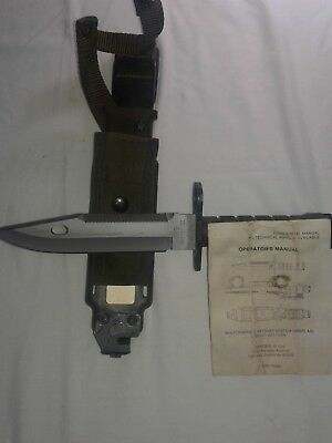 Phrobis M9 III battle knife and bayonet / scabbard and operator's manual