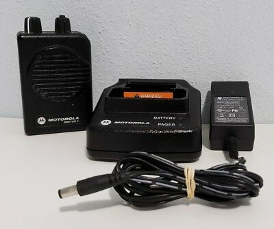 Motorola Minitor V 151-158.9975MHz VHF 1-Ch Pager Stored Voice w/ Charger