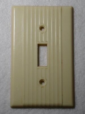 Single switch wall plate Vintage mid century LEVITON ribbed BEIGE bakelite