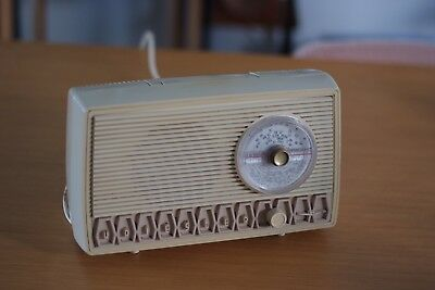 Kriesler RADIO MODEL 11-9  Cream Colour, Working, Retro, Vintage, Good Condition
