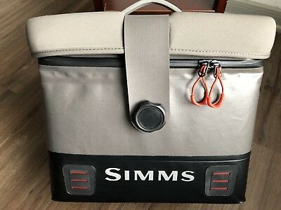 New Without Tags Simms Dry Creek Boat Bag Large Greystone