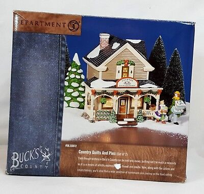 Dept 56 Snow Village Buck's COUNTRY QUILTS & PIES Lighted Building #55072 MIB
