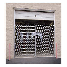 Double Folding Gate, 16'W to 18'W and 7'H, Lot of 1