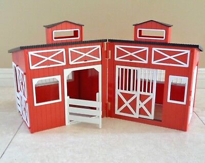 Breyer? Toy HORSE STABLE Red and White Barn