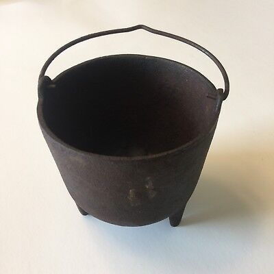 4 Inch Rusty Old Cast Iron Pot with Metal Handle