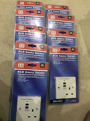 1 Gang RCD white Plastic Socket X1