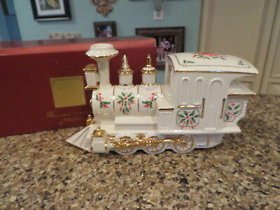 Lenox China HOLIDAY JUNCTION Train ENGINE Centerpiece Original Box ~PERFECT~
