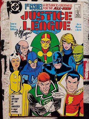 Justice League #1 F/VF/7.0 1987 DC signed Kevin Maguire