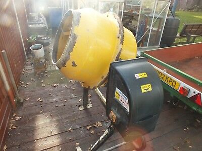 Electric Cement Mixer. 140 L capacity, 375 cm opening