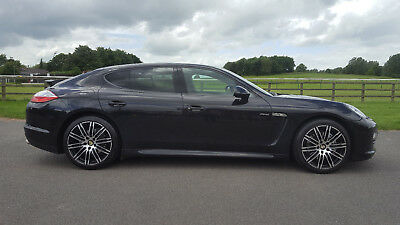 2012 Porsche Panamera 3.0TD Tiptronic S Diesel **** MANY EXTRAS FROM NEW ****
