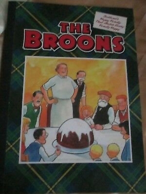 """d c thompson annuals,""""oor wullie & """"the broons 2016"""