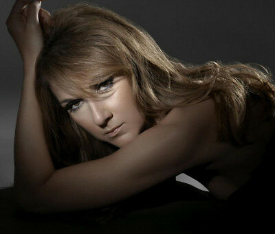 Celine Dion UNSIGNED photograph - Beautiful Canadian singer - M5941 - NEW IMAGE