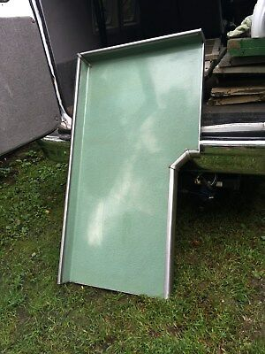 "VTG Architecturla  Mid-Century  Green ""Moon Glow ""Formica/ Kitchen Bar Table"