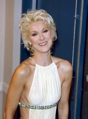 Celine Dion UNSIGNED photograph - Beautiful Canadian singer - M5947 - NEW IMAGE