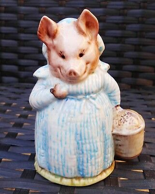 "Beswick Beatrix Potter ""AUNT PETTITOES"" PIG COLLECTABLE BP2 GOLD OVAL RARE"