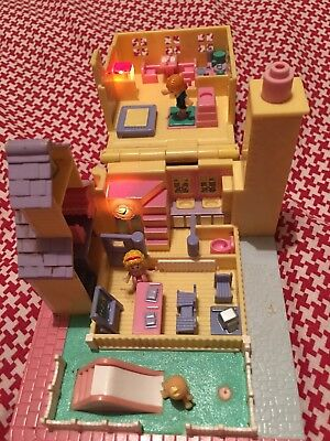 Vintage 1993 Bluebird Polly Pocket Pollyville Giallo Si Accendono Schoolhouse Polly Pocket